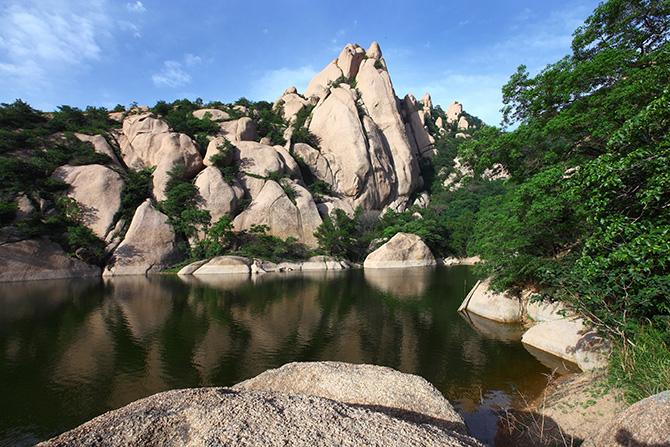 国家地质公园地质遗迹 蜜蜡峰 - 嵖岈山风景名胜区